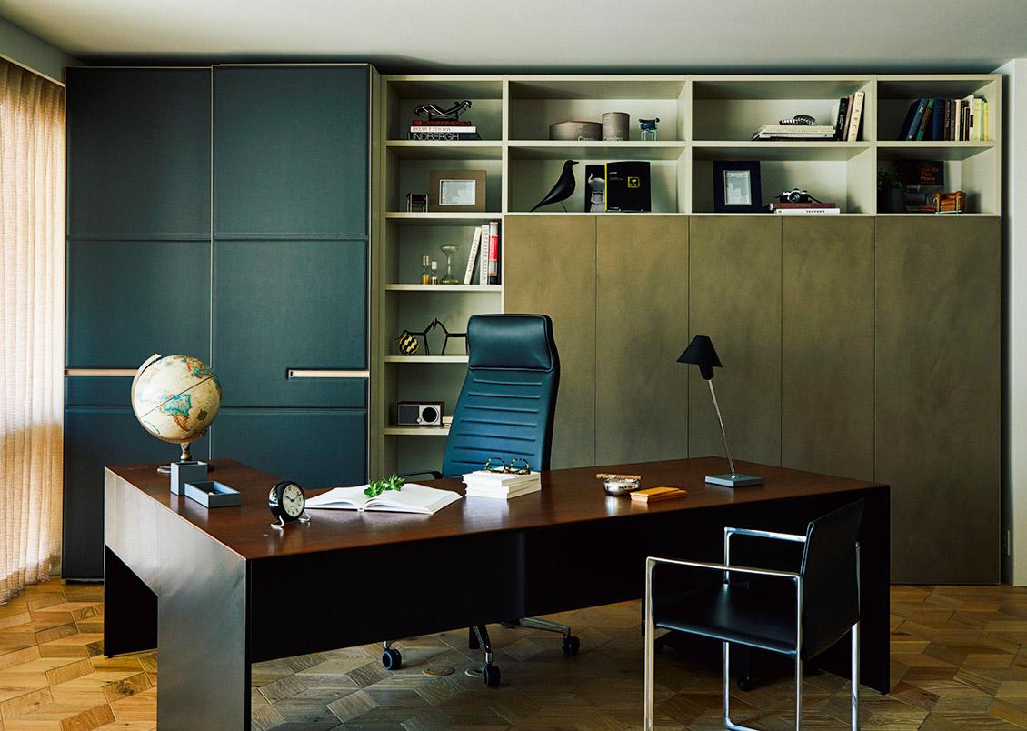https://www.cassina-ixc.jp/shop/g/gairframe3009-executive-desk/