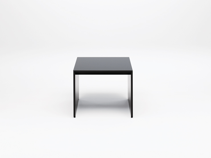 AIR FRAME 3002 low table