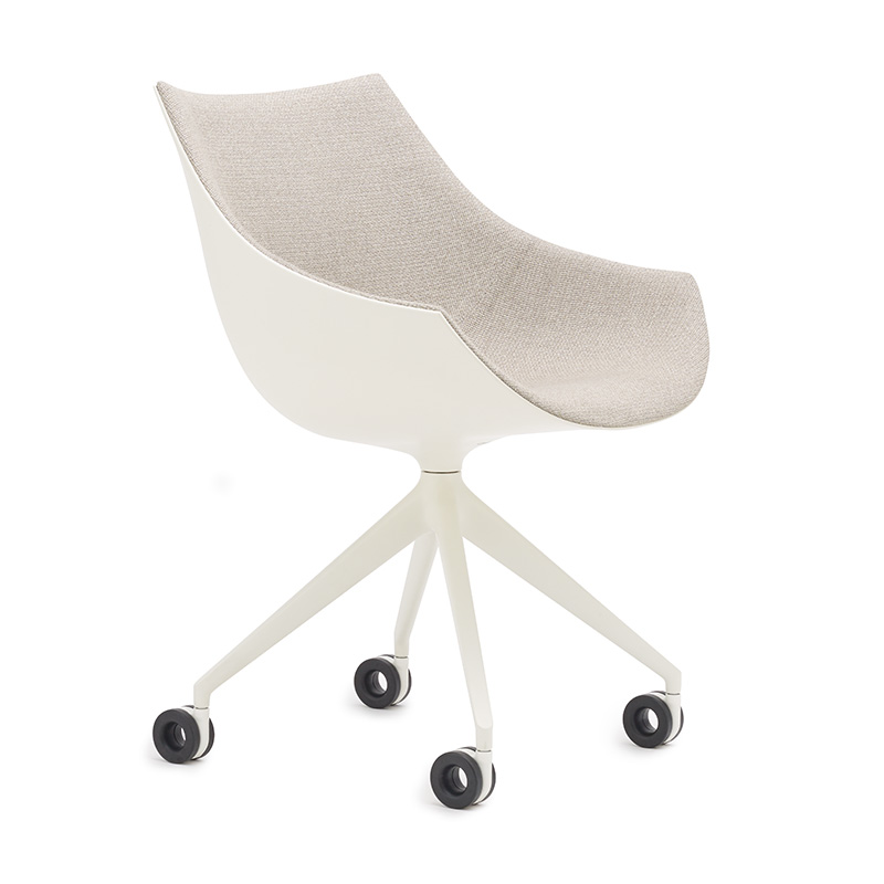248 PASSION caster chair